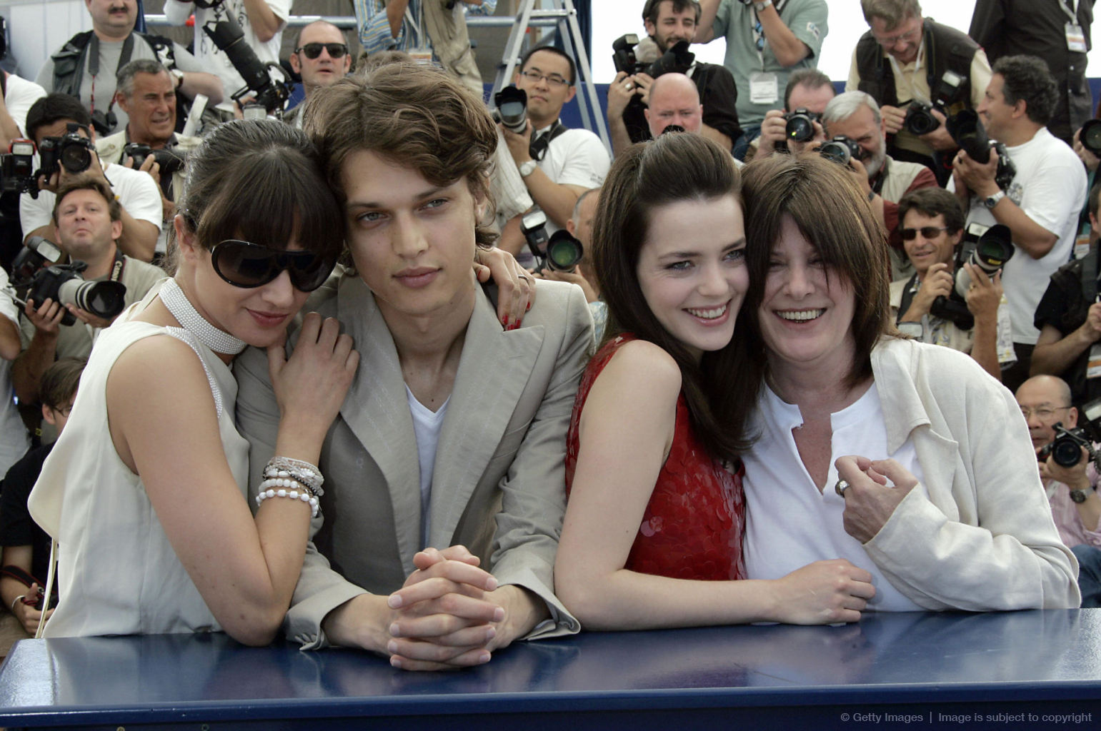 (From L) Italian actress Asia Argento, F
